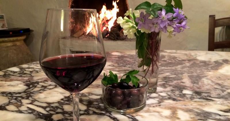 verre du vin specialites locales breil sur roya