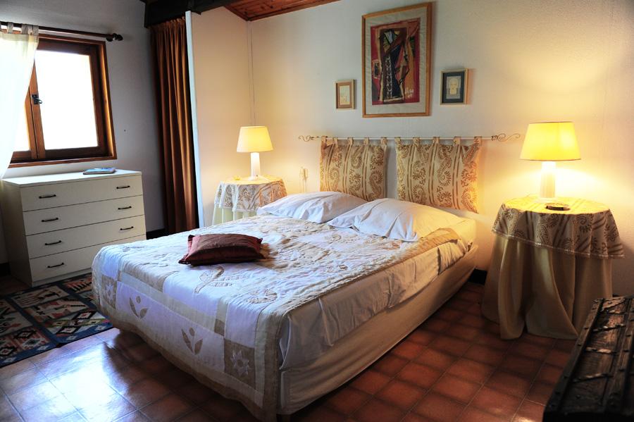 chambre-chez-christophe-location-saison-breil-sur-roya