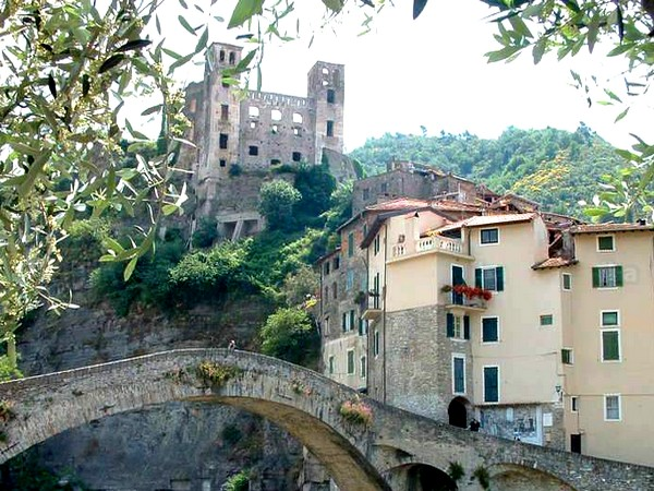 village dolceacqua