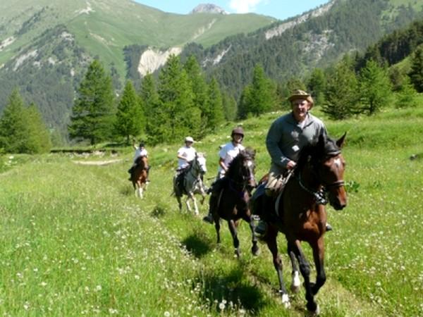 sejour randonnée equestre alpes maritimes