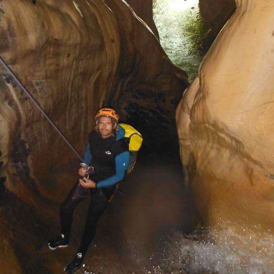 Grotte du canyon de la maglia
