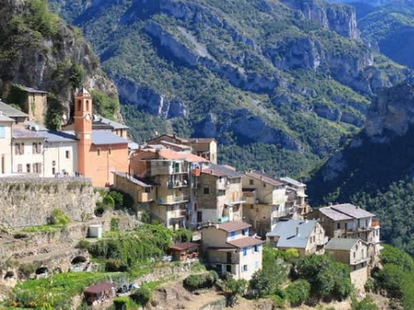 Berghe Village
